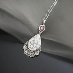 srebrny,delikatny wsior,z turmalinem,z koralem - Naszyjniki - Biżuteria