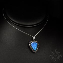 delikatny,labradoryt,niebieski,ogień,subtelny - Wisiory - Biżuteria
