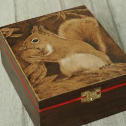 pirografia,wiewiórka,pudełko - Pudełka - Wyposażenie wnętrz