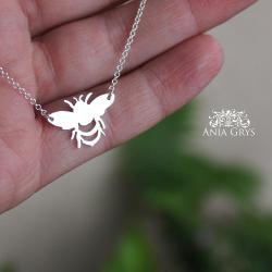 pszczoła,wisiorek,owady,srebrny,aniagrys - Naszyjniki - Biżuteria