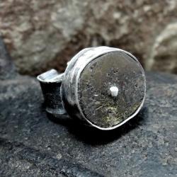Pierścionek srebrny,surowy bursztyn - Naszyjniki - Biżuteria