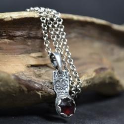 naszyjnik z granatem,wisior ze wzorem - Naszyjniki - Biżuteria