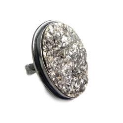 muskowit,srebrny,blask,szarości,elegancki,piękno - Pierścionki - Biżuteria