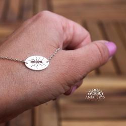 mrówka,ręcznie wycinana,bransoletka,zawieszka - Bransoletki - Biżuteria