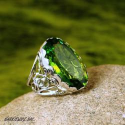 pierścień z duzym oliwinem - Pierścionki - Biżuteria