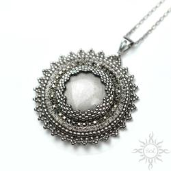 okrągły,srebrny,efektowny,błyszczący,elegancki - Wisiory - Biżuteria