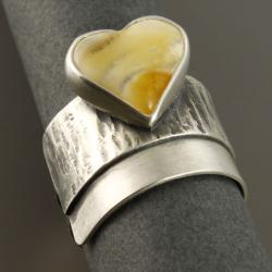 pierścionek z sercem bursztynowym - Pierścionki - Biżuteria
