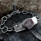 Bransoletki Srebrna bransoletka lańcuch z surowym granatem