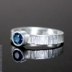Pierścionek,delikatny,ryflowany,topaz,srebrny - Pierścionki - Biżuteria